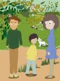 Glückliche Familie, die Spaß draußen hat lizenzfreies stockbild