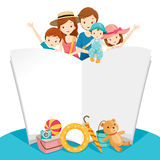 Glückliche Familie mit Sommer-Reise und Notizbuch Stockfoto