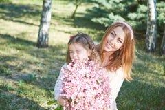 Glückliche Familie, Mutter und Tochter Stockbild