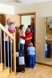 Glückliche Familiensitzung Lizenzfreies Stockbild