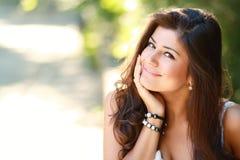 Glückliche Frau im Freien Stockbilder
