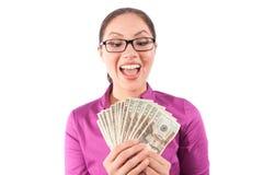 Glückliche Frau mit Bargeld stockfoto