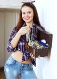Glückliche Frau mit Schmuck Stockbilder
