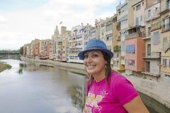 Glückliche Frauen in Girona Stockfotos