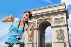 Glückliche Frauenreise in Paris Lizenzfreie Stockfotos