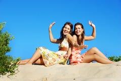 Glückliche friens in der Sonne Lizenzfreies Stockfoto