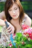 Glückliche Gartenarbeit lizenzfreie stockfotos