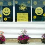 Glückliche Gesichts-Fenster-Dekorationen Lizenzfreie Stockfotografie