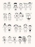 Glückliche große Familie, die zusammen, zeichnende Skizze lächelt Stockbilder