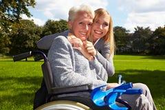 Glückliche Großmutter mit Enkelkind Lizenzfreies Stockbild