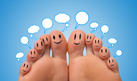 Glückliche Gruppe Fingersmiley mit Luftblasen Stockbilder