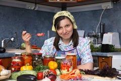 Glückliche Hausfrau Stockfotografie