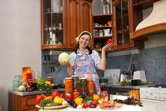 Glückliche Hausfrau Stockbild