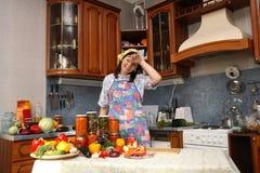Glückliche Hausfrau Lizenzfreies Stockfoto