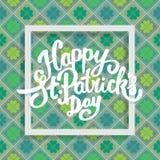Glückliche Heiliges Patricks-Tagesbeschriftung mit Klee Stockbild