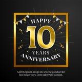 Glückliche 10 Jahre Jahrestagshintergrundvektor-Entwurf Schwarzes Papier mit goldener quadratischer Rahmen- und Flaggenverzierung stock abbildung