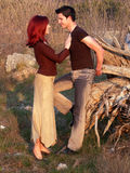 Glückliche jugendlich Paare lizenzfreies stockfoto