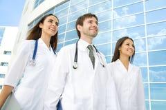 Glückliche junge Doktoren Lizenzfreies Stockfoto