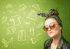 Glückliche junge Frau mit Ikonen der Gläser und der zufälligen Kleidung Stockfotos