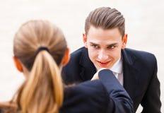 Glückliche junge Geschäftsleute Stockfotografie