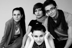 Glückliche junge Leute Lizenzfreies Stockfoto