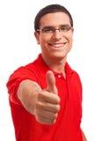 Glückliche junge Männer, die sich der Daumen zeigen Lizenzfreie Stockfotos