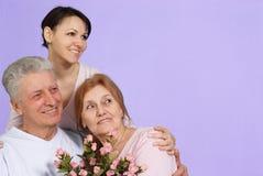 Glückliche kaukasische Familie von drei lizenzfreies stockfoto