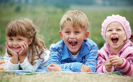 Glückliche Kinder lizenzfreie stockfotos