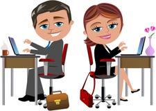 Glückliche Kollegen, die am Schreibtisch arbeiten lizenzfreie abbildung