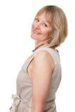 Glückliche lächelnde attraktive fällige Frau Stockfoto