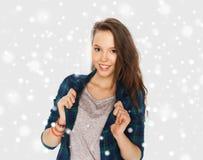 Glückliche lächelnde hübsche Jugendliche Lizenzfreie Stockbilder