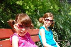 Glückliche lächelnde Kinder stockfotografie