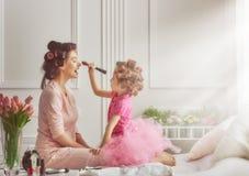 Glückliche liebevolle Familie stockfotografie