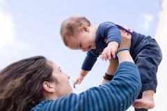 Glückliche Mamma und Tochter Lizenzfreies Stockbild