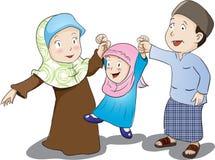 Glückliche moslemische Familie, Vektor-Illustration Stockbild
