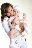 Glückliche Mutter mit ihrem Schätzchen Stockfoto