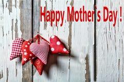 Glückliche Mutter ` s Tagesherzen Bemuttern Sie Tag der ` s Tagesam 26. mai Mutter s Stockfotografie