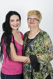 Glückliche Mutter- und Erwachsentochter Stockfotos