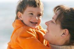 Glückliche Mutter und Sohn Lizenzfreies Stockbild