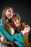 Glückliche Mutter und Tochter lizenzfreies stockbild