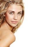 Glückliche natürliche blonde Frau Stockbilder