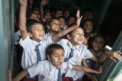Glückliche nepalesische Kinder an der Schule Lizenzfreies Stockfoto