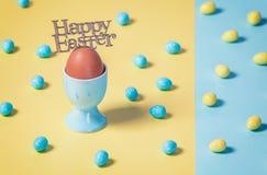Glückliche Ostern-Stillleben-Zusammensetzung lizenzfreies stockfoto