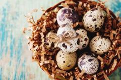 Glückliche Ostern-Weinlese und natürliche Artpostkarte Lizenzfreies Stockbild