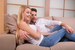 Glückliche Paare in der Liebe Stockfotografie