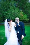 Glückliche Paare in der Weinlesekleidung Stockbild