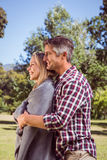 Glückliche Paare im Park Lizenzfreies Stockbild