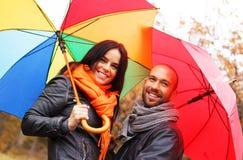 Glückliche Paare von mittlerem Alter am Herbsttag Lizenzfreies Stockbild
