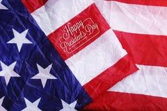 Glückliche Präsident ` s Tagestypographie auf USA-Flagge Lizenzfreies Stockbild