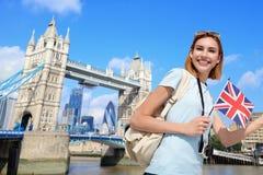 Glückliche Reisefrau lizenzfreie stockfotos